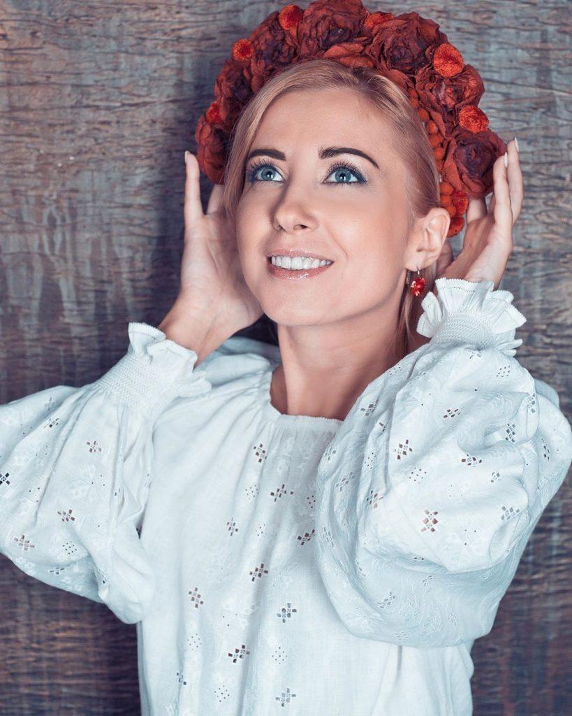 Долгожданная премьера: Тоня Матвиенко презентовала невероятно трогательный клип на песню «Дитячий сміх»