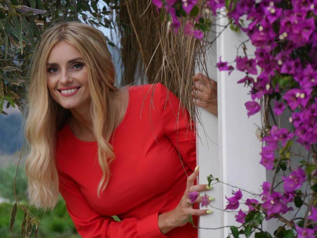 Поклонники Ирины Федишин заподозрили певицу в беременности