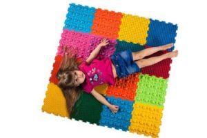 Яркие полусферы на ковре приведут в восторг вашего ребенка
