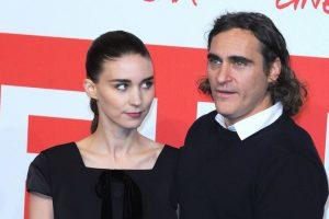 Официально: известные актеры Хоакин Феникс и Руни Мара собираются пожениться