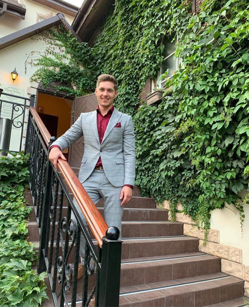 Владимир Остапчук отправился в романтическое путешествие с супругой Еленой