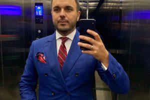 Звездное селфи: Григорий Решетник похвастался совместным фото с известным американским боксером