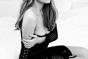 «Современная золушка»: Тина Кароль примерила очень красивое платье