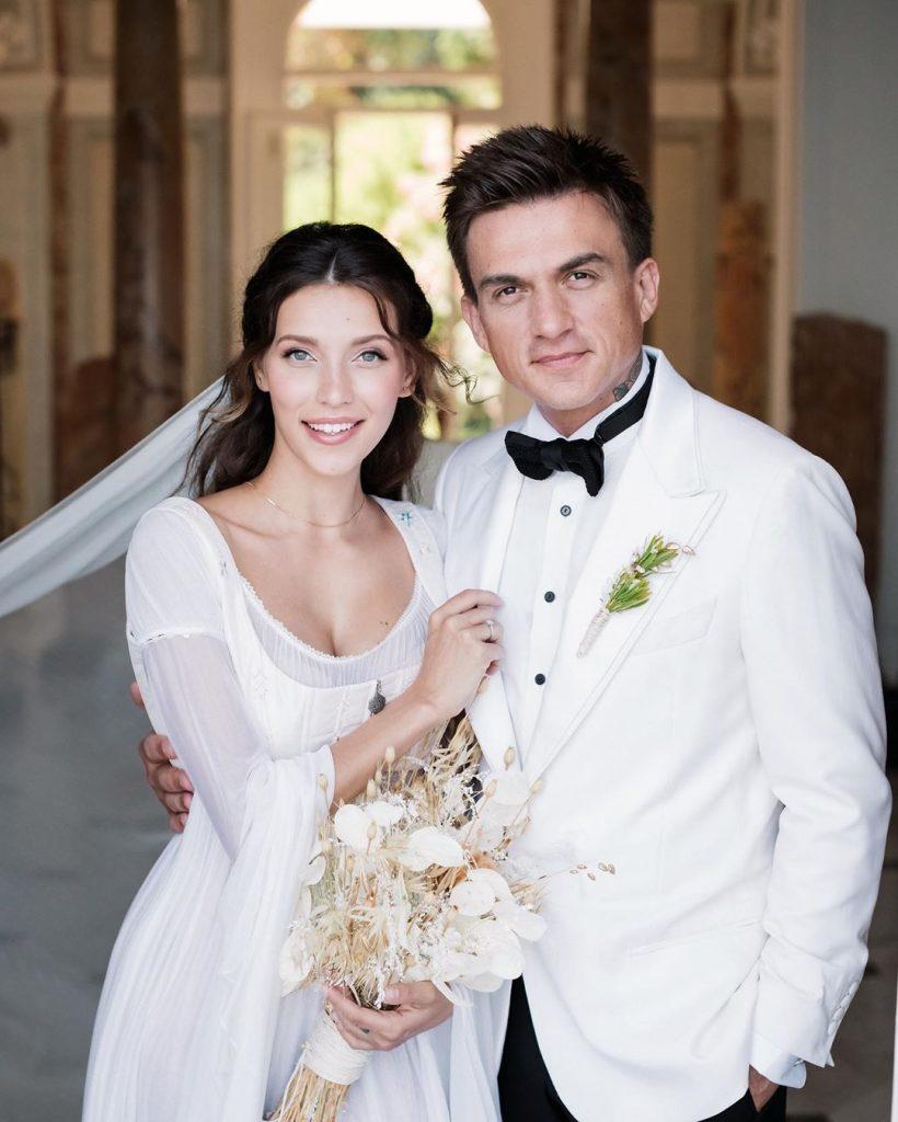 Влюбленные и счастливые: Регина Тодоренко вместе с супругом Владом Топаловым украсила обложку свежего номера OK!
