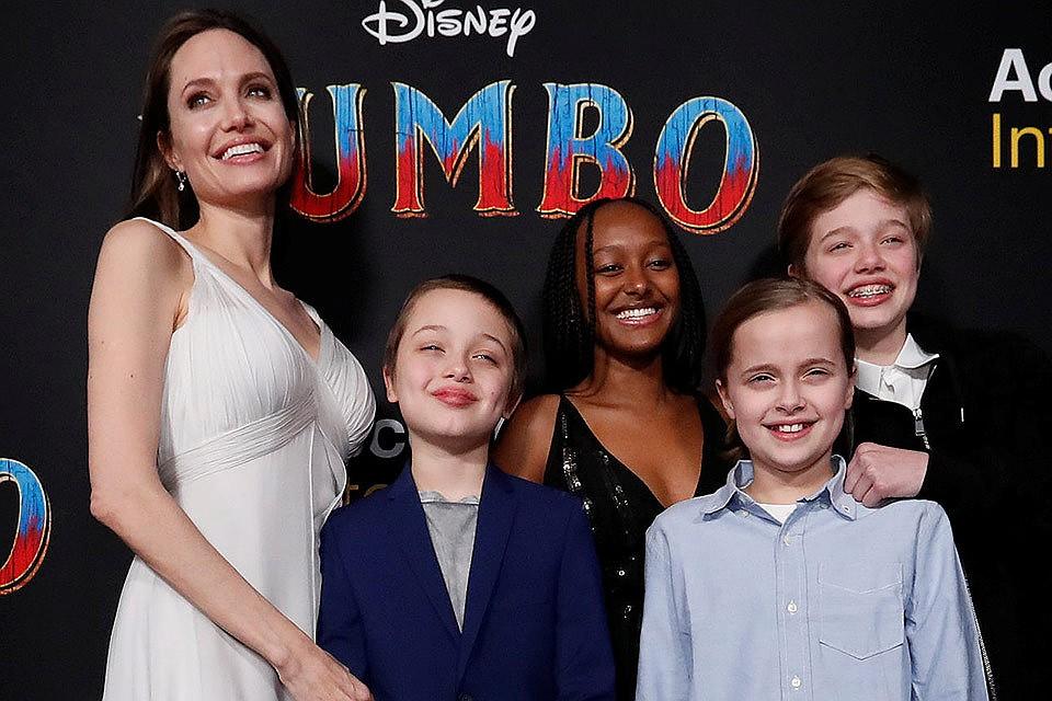 Экс-няня детей Анджелины Джоли рассказала о шокирующих методах воспитания актрисы