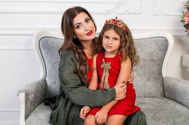 7-летняя дочь Жасмин приняла участие в фотосессии для детского глянцевого журнала