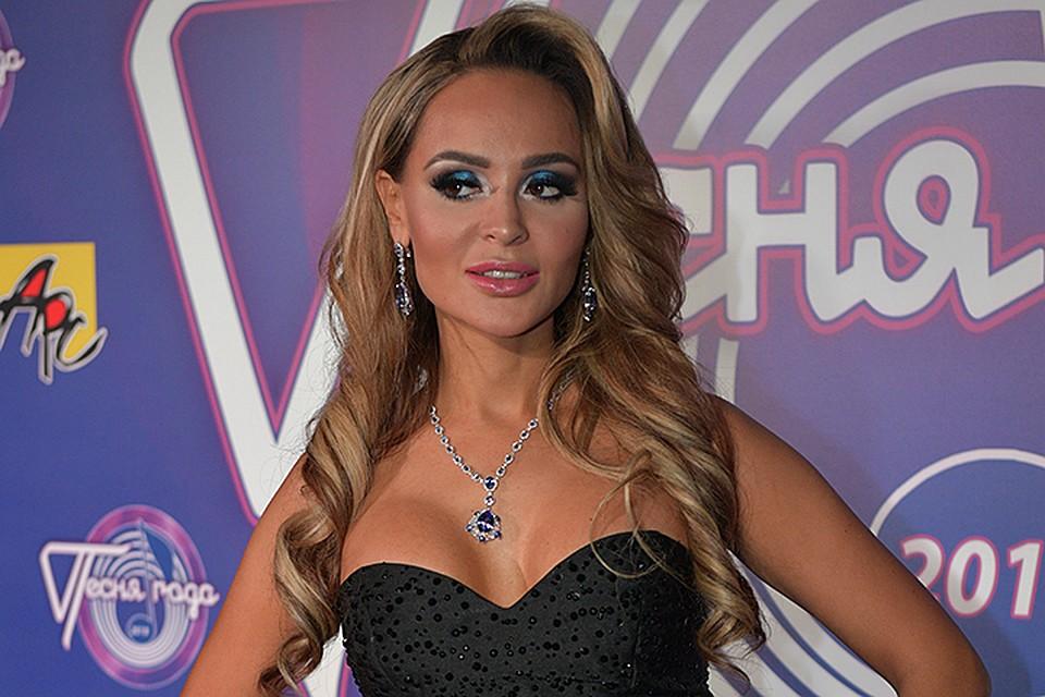 Анна Калашникова побывала на концерте Энрике Иглесиаса в Монако