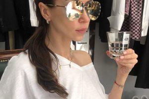 Наталья Валевская продемонстрировала стильный наряд на предстоящую осень
