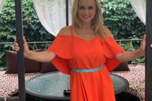 Lady in red: Лилия Ребрик примерила роскошное платье