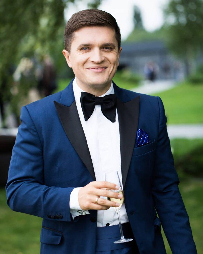 Папины принцессы: Анатолий Анатолич опубликовал новое фото с дочерьми