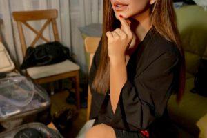 Черный цвет всегда в моде: Ани Лорак примерила комфортный и очень стильный образ на лето