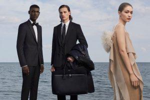 BURBERRY представили новую кампанию с участием популярных моделей