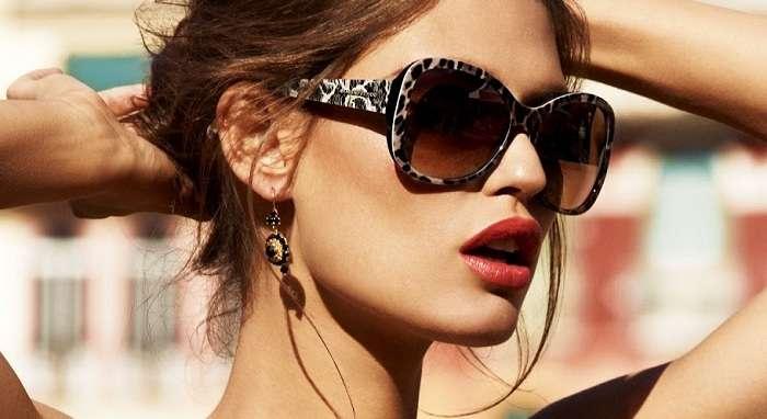 Солнцезащитыне очки должны занять первое место среди аксессуаров
