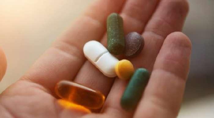 С сильной болью борются определенные обезболивающие препараты