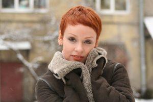 Жанна Эппле показала, как выглядит без макияжа