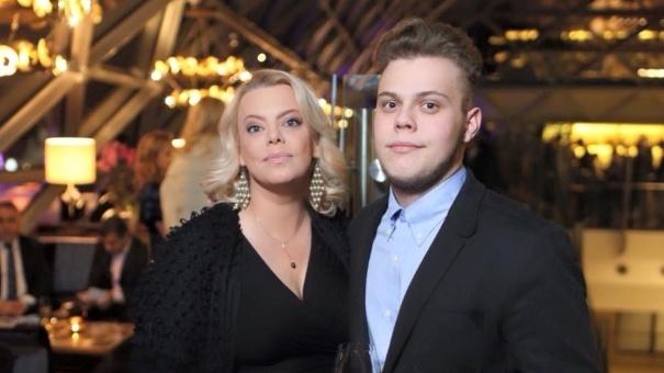 Младший сын Яны Поплавской женился