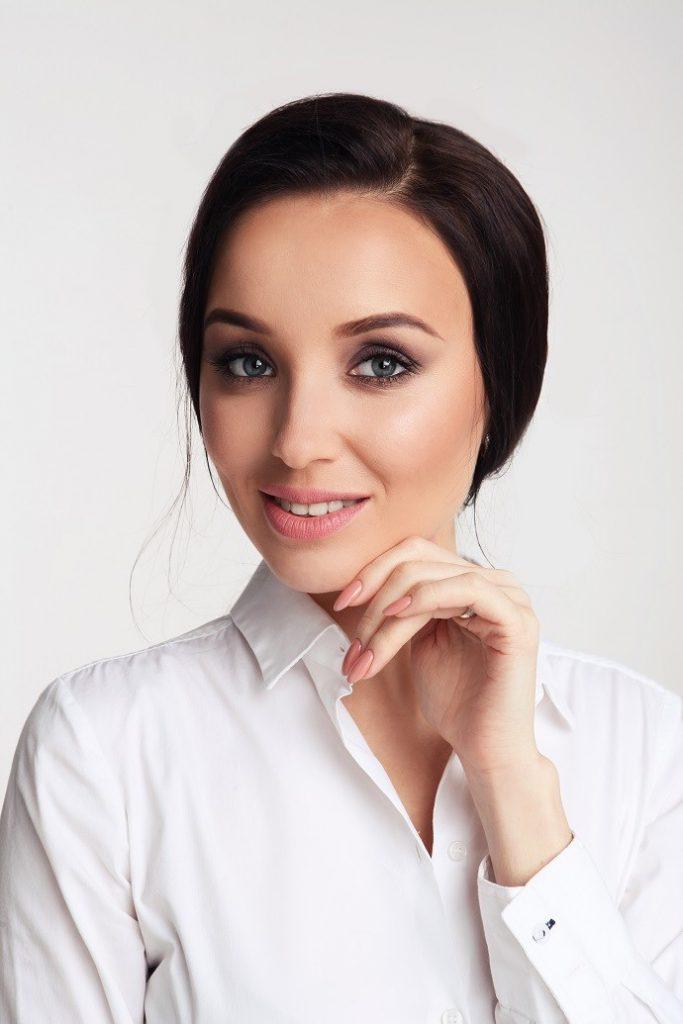 Юлия Сайфуллина: «Женщина может быть успешной и финансово независимой. И для этого не обязательно напряженно работать в офисе»