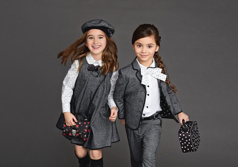 Какая школьная одежда сейчас в моде?