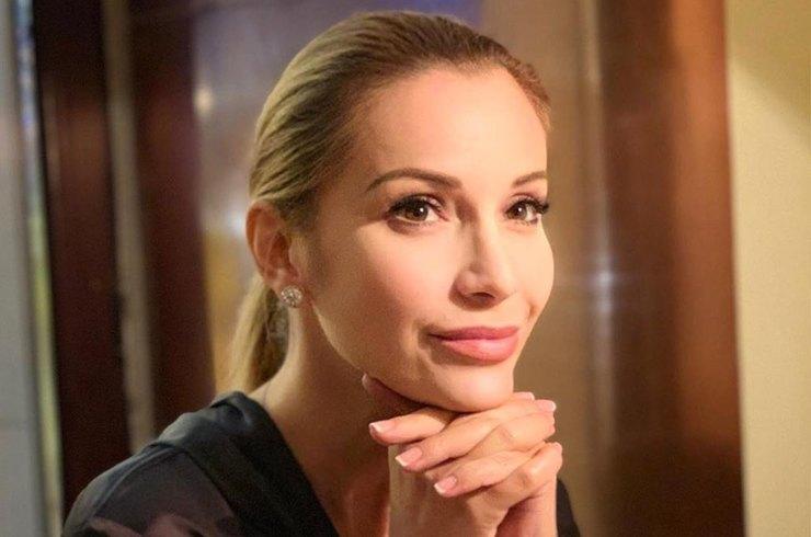 Ольга Орлова показала средний палец хейтерам