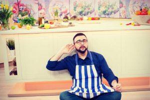 «Милота»: Руслан Сеничкин показал фото с выпускного альбома