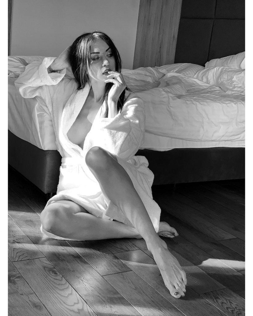Total white: Наталья Валевская продемонстрировала идеальный осенний образ