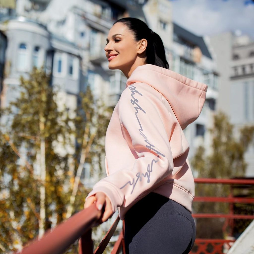 Как носить питоновый принт: показывает Маша Ефросинина