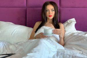 Наталья Валевская продемонстрировала, какой стала ее фигура после полного отказа от алкоголя
