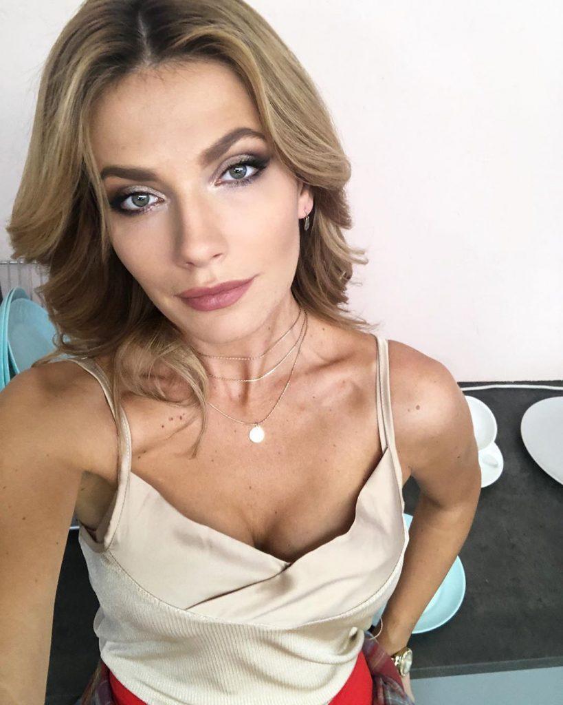 Старшая дочь Ольги Сумской примерила образ блондинки