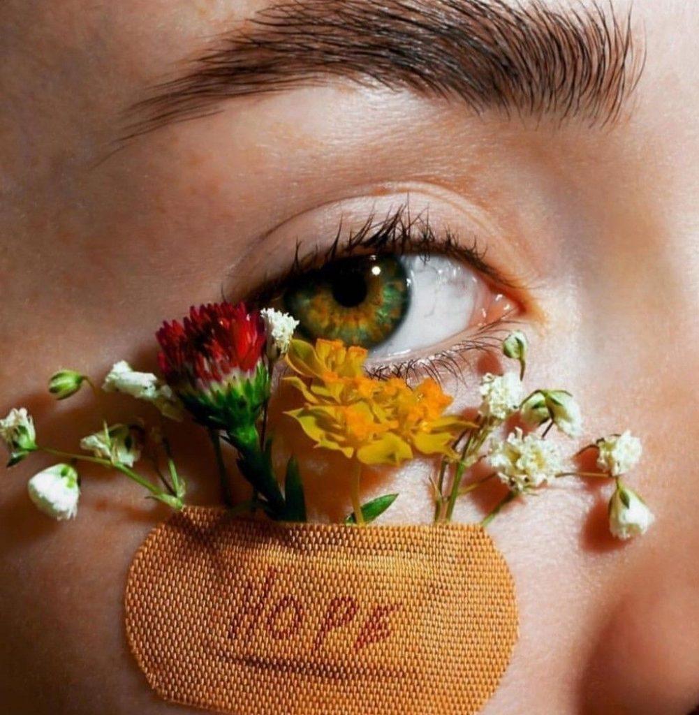 Сухая область вокруг глаз: как с этим бороться?