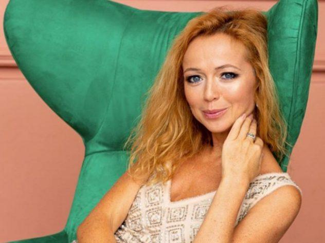 Елена Захарова примерила трендовые пуховики осень-зима 2019/2020