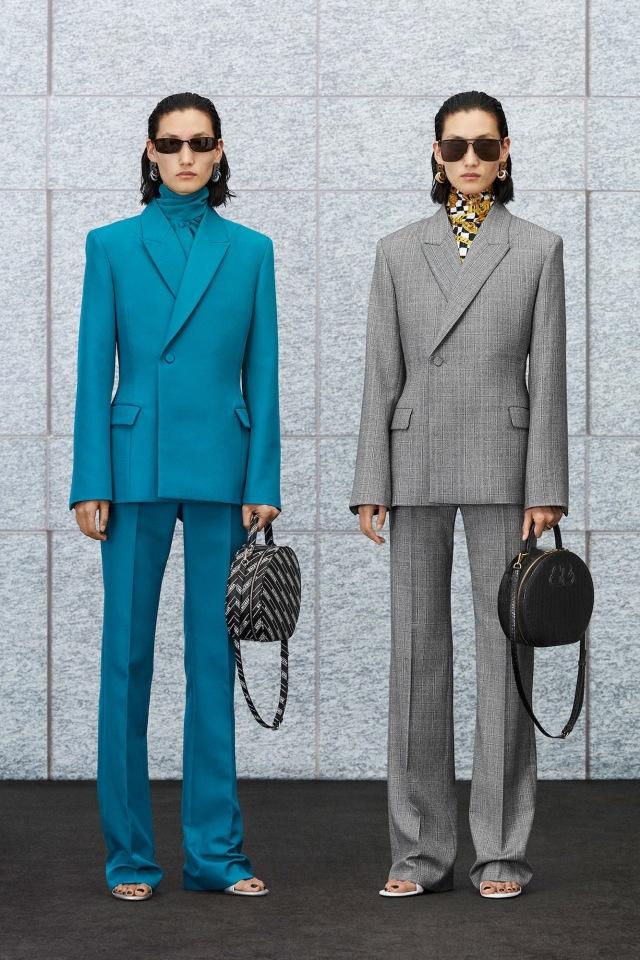 Коллекция от модного дома Balenciaga: подчеркнутые плечи и многослойные образы