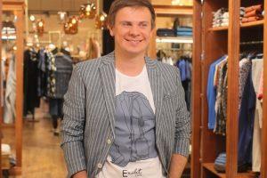 Как похожи: Дмитрий Комаров показал редкое фото с братом и сестрой
