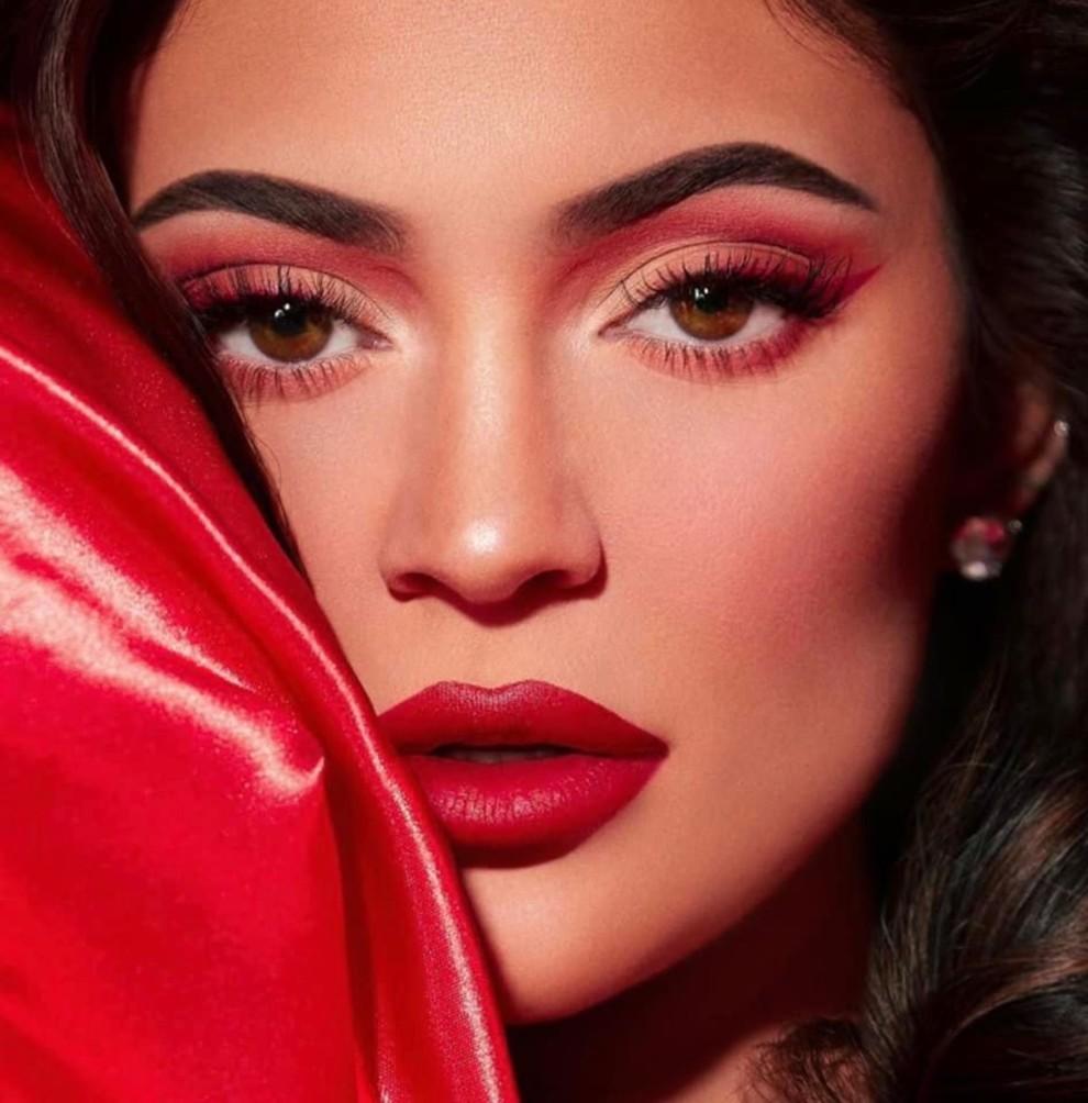 Рождественский кампейн от Kylie Cosmetics