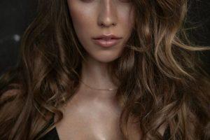 Без макияжа и в нижнем белье: Регина Тодоренко опубликовала домашнее селфи