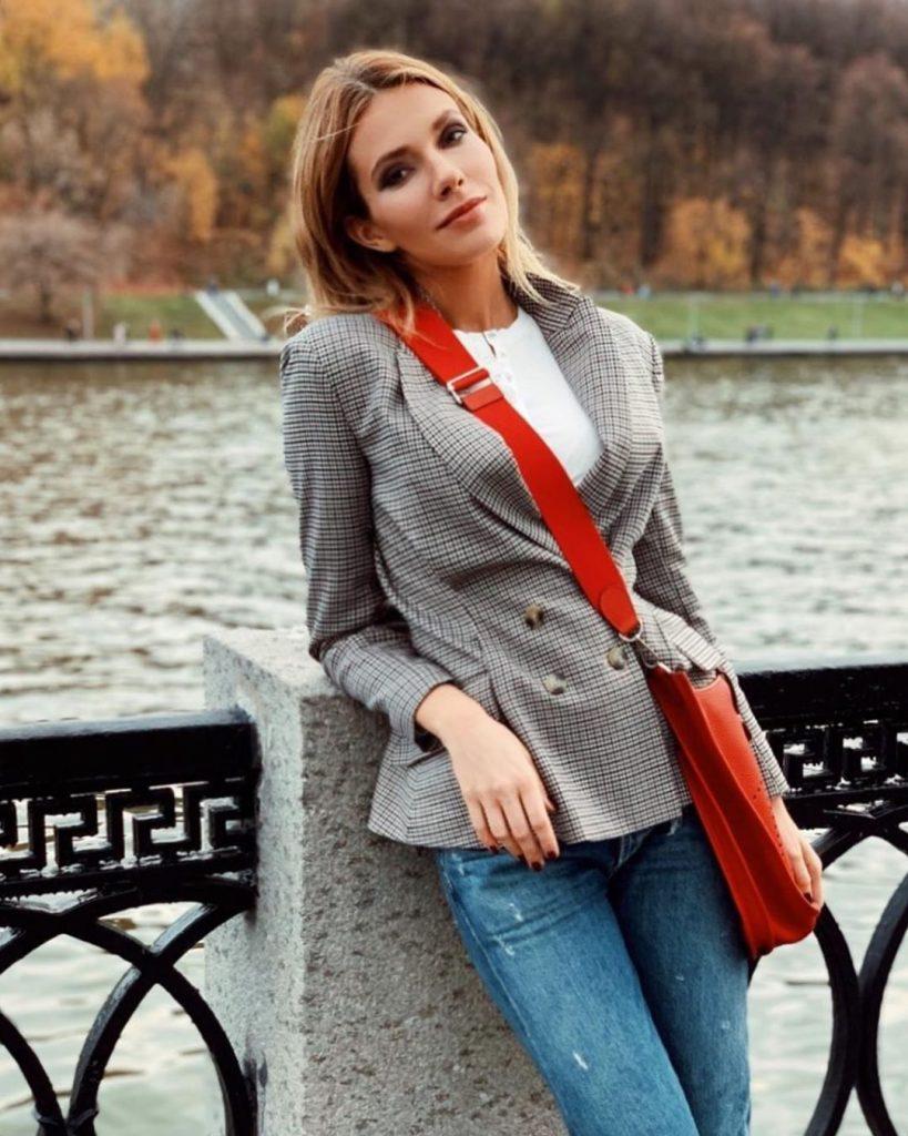 Старшая дочь Ольги Сумской показала, как выглядит самая модная шуба сезона осень-зима 2019/2020