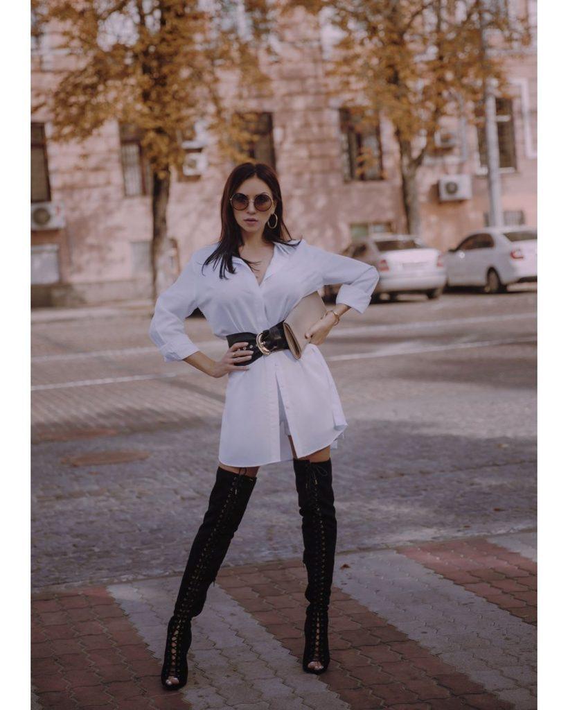 В полупрозрачном платье и туфлях на каблуке: Наталья Валевская блистает на показе новой коллекции Ирины Марчук