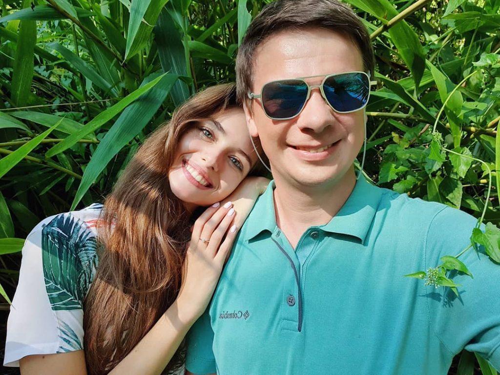 Какой подарок Дмитрий Комаров преподнес своей любимой в честь 22-летия