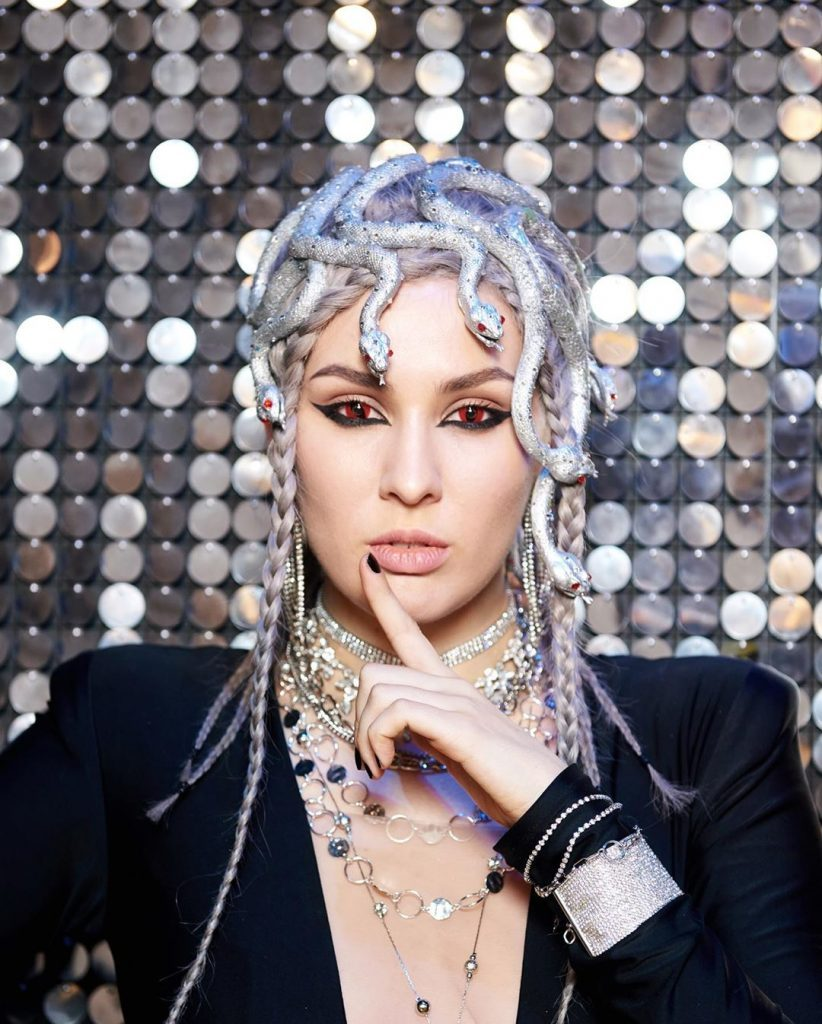 «Женщина года 2019»: MARUV победила в номинации «Певица года»
