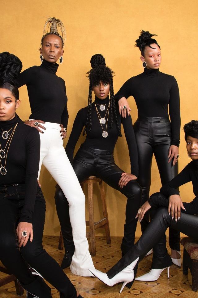 Рианна и FENTY: ювелирная коллекция посвящена красоте афроамериканок