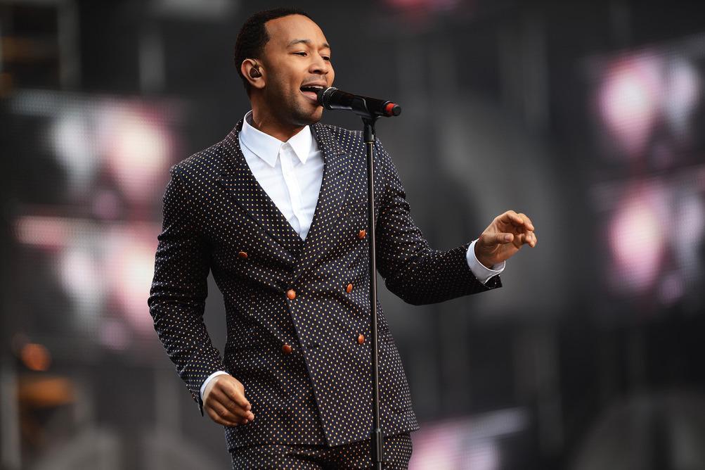 Популярный певец стал самым сексуальным мужчиной года