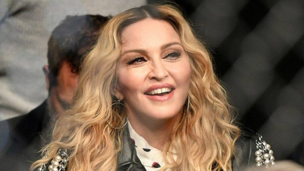 Мадонна планирует снять фильм о себе