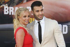 Бритни Спирс похвасталась новыми романтичными снимками с бойфрендом