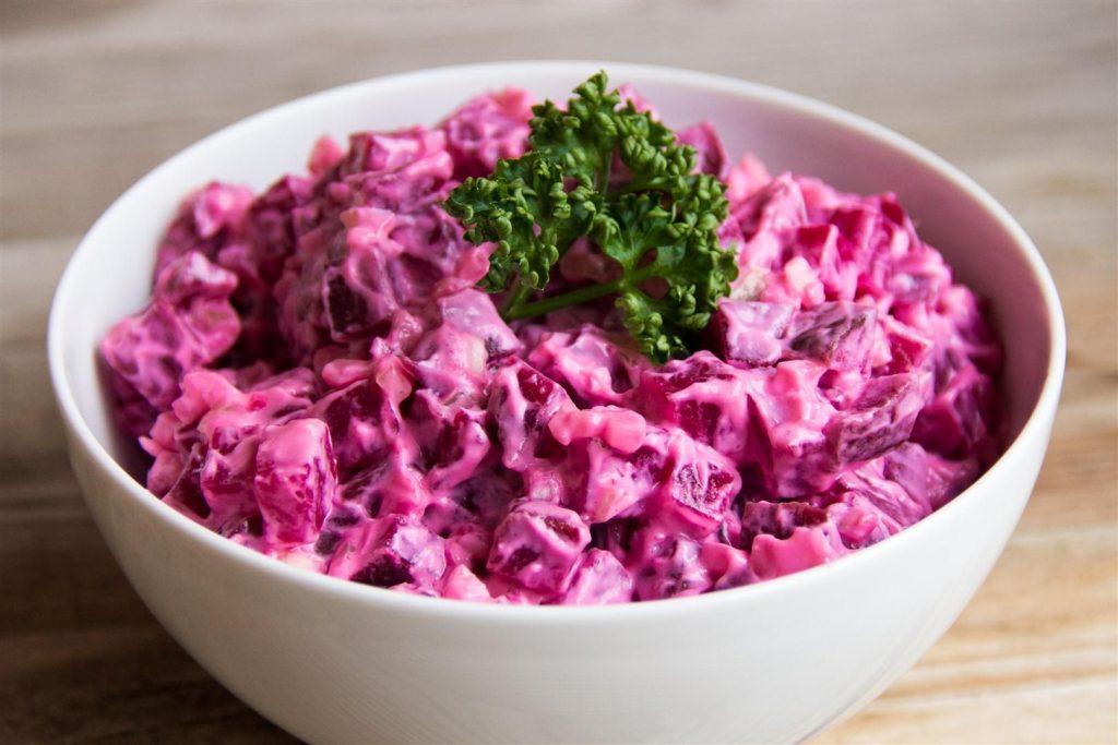 Лёгкий свекольный салат за 10 минут