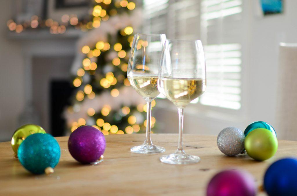 Разбор полётов: сколько калорий в популярных новогодних напитках?