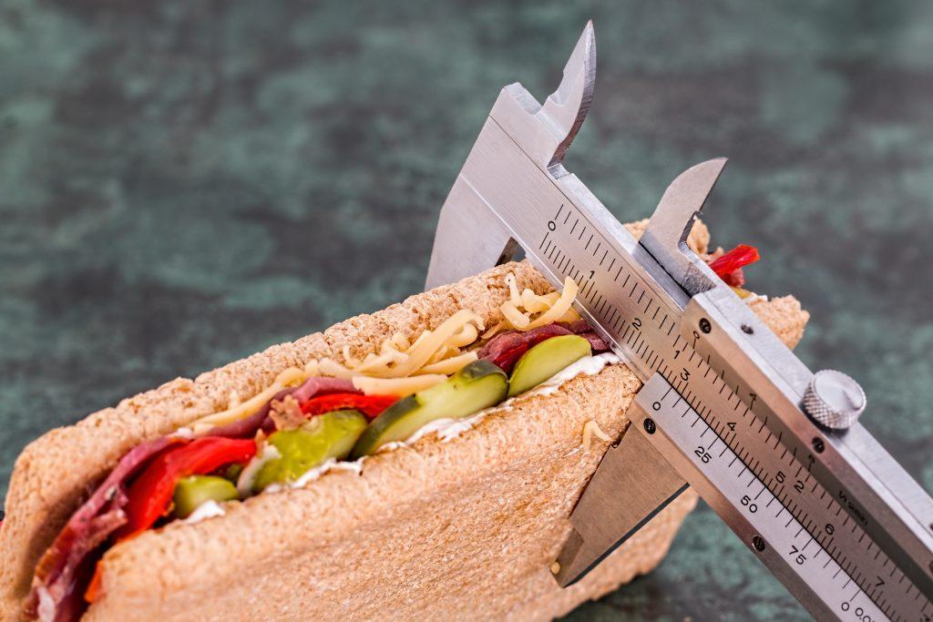 Диетологи назвали эффективный способ прекратить переедание