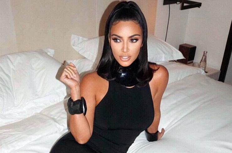 Ким Кардашьян появилась в роскошном винтажном платье Dior