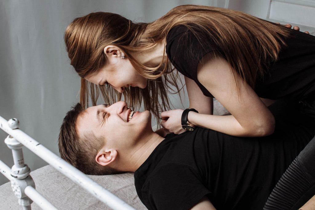 Как сохранить страсть в паре в условиях праздничной суматохи?