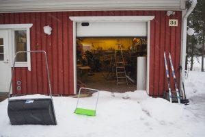 5 вещей, которые нельзя хранить в гараже зимой