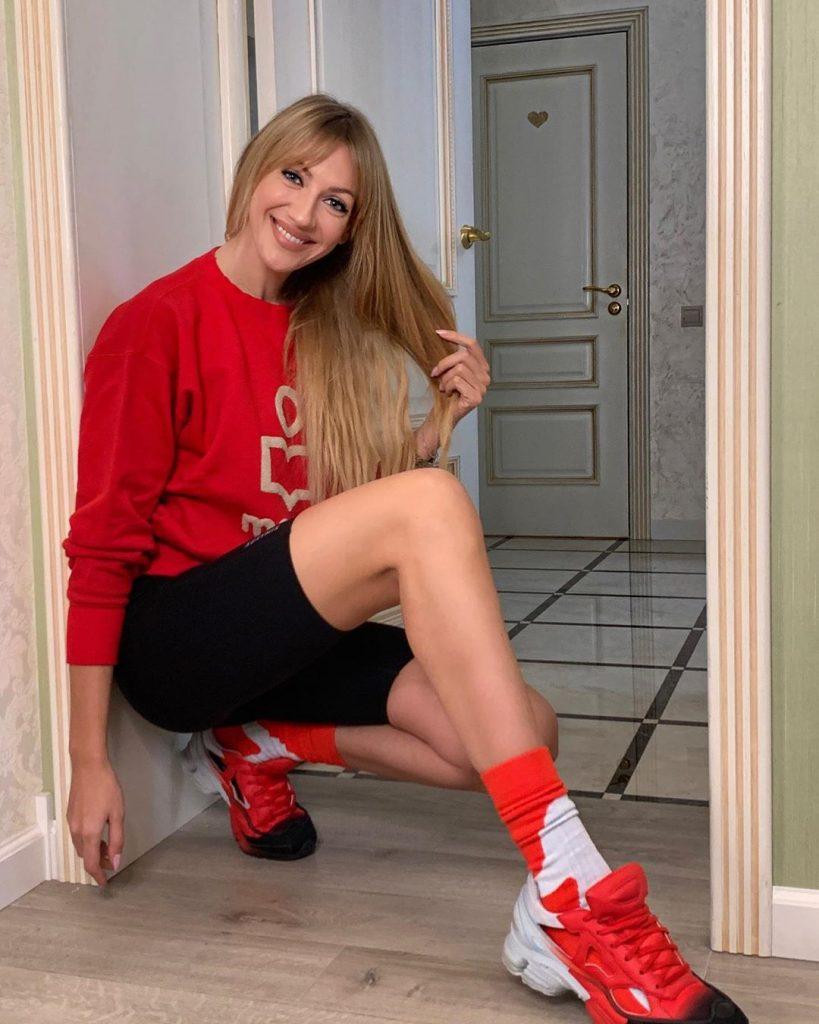 Пользователи Сети обсуждают фото Леси Никитюк без макияжа