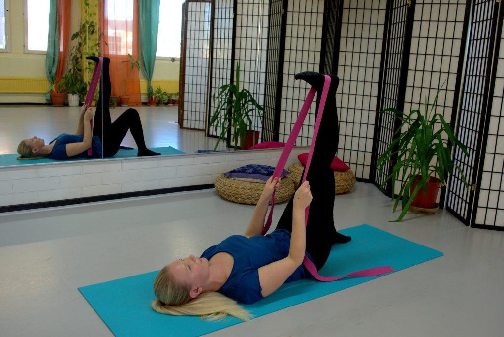 3 полезные упражнения, которые помогают при боли в пояснице